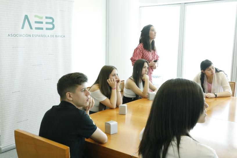 AEB educación financiera 2019-004